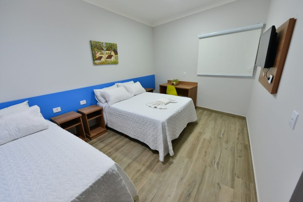 Hotel em Ipatinga Quarto Triplo econômico