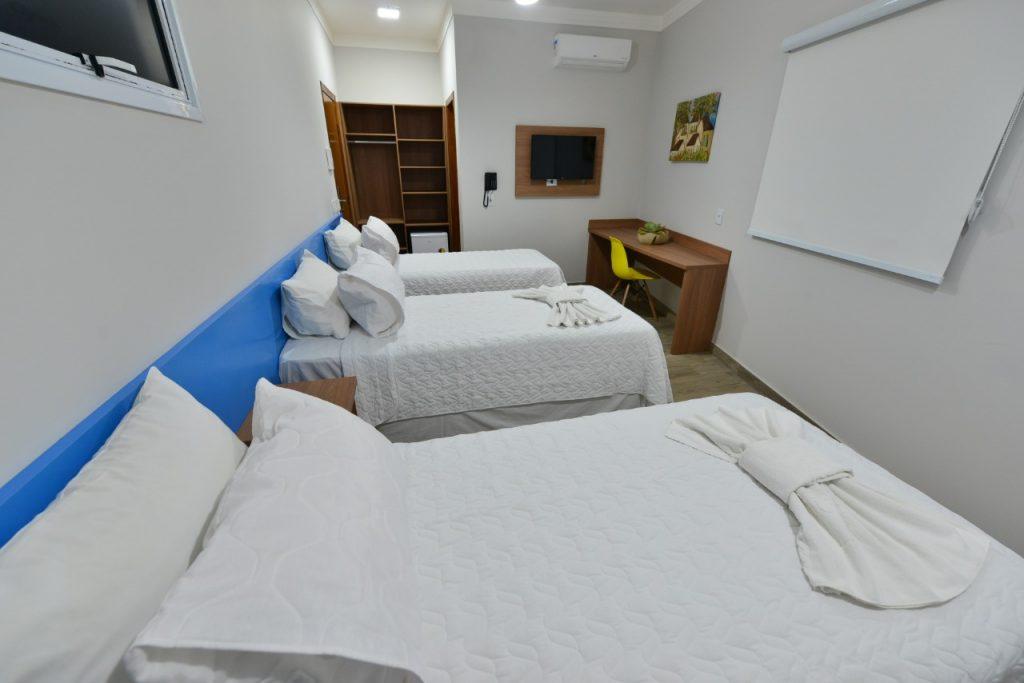 Hotel em Ipatinga Quarto Triplo econômico 2